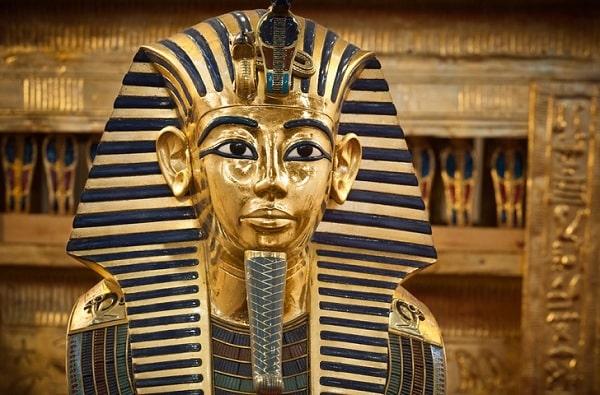 Нож Тутанхамона: металл из космоса