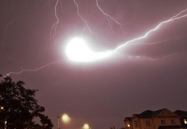 Шаровая молния: разум и повадки дикого зверя