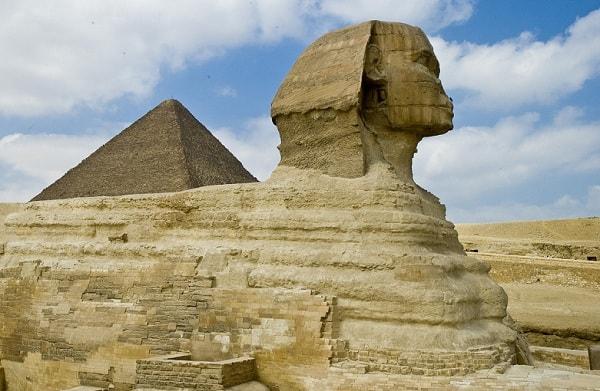 Мистика цифр: скорость света и координаты пирамиды Хеопса
