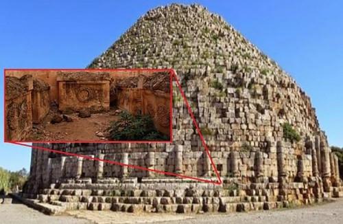 Тайна необычных алжирских пирамид