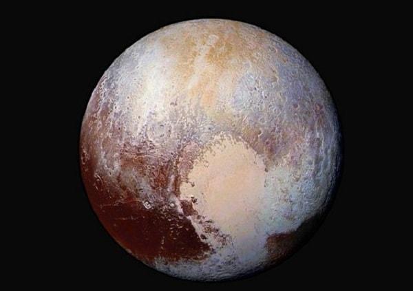 Плутон может оказаться гигантской свалкой комет