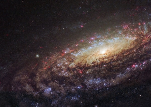 Астрофизики объяснили странности в наблюдениях Вселенной