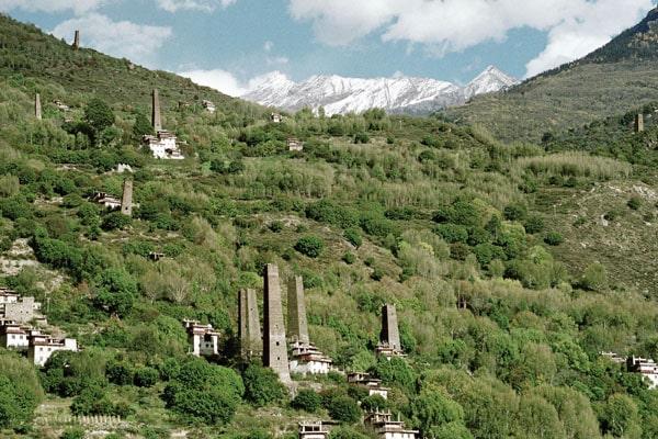 Не объясненная тайна «звездных» башен в Гималаях