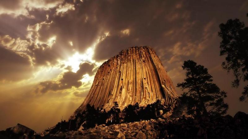 Башня Дьявола – самая загадочная скала Америки