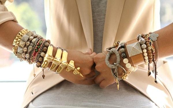 Почему золото не стоит носить вместе с серебром