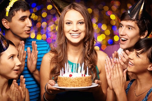 Приметы: почему день рождения не отмечают заранее