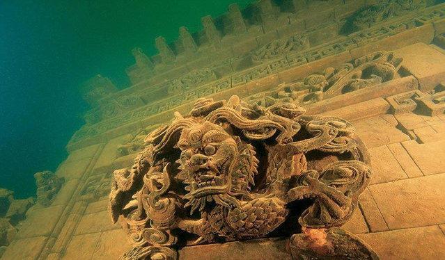 Загадочные строения, найденные под водой